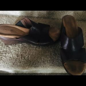 Ladies slip on wedge sandals 9.5